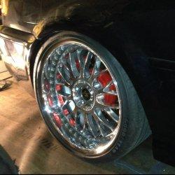 Work VS XX Felge in 10.5x19 ET 20 mit Goodyear Goodyear Eagle F1 Reifen in 265/30/19 montiert hinten mit 15 mm Spurplatten und mit folgenden Nacharbeiten am Radlauf: Kanten gebördelt Hier auf einem 3er BMW E46 M3 (Cabrio) Details zum Fahrzeug / Besitzer