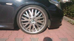 - NoName/Ebay - PDW Felge in 8.5x20 ET 20 mit Dunlop Sport Maxx Reifen in 245/30/20 montiert vorn Hier auf einem 5er BMW E61 530d (Touring) Details zum Fahrzeug / Besitzer