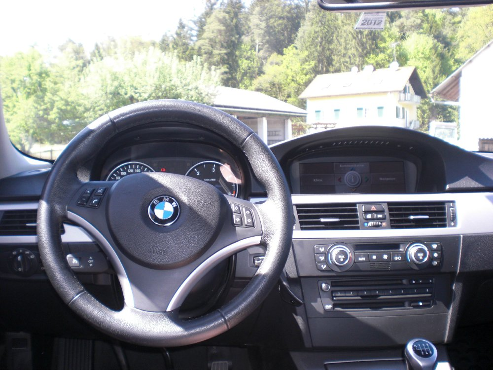 E90 318d Navi Pro - 3er BMW - E90 / E91 / E92 / E93