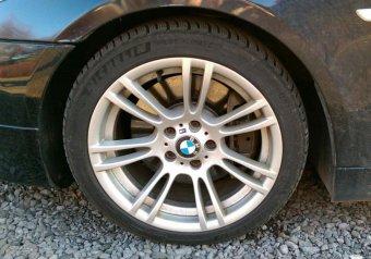 BMW M Performance M 270 Felge in 8x18 ET 20 mit Michelin Pilot Alpin Reifen in 235/40/18 montiert vorn Hier auf einem 5er BMW E61 545i (Touring) Details zum Fahrzeug / Besitzer