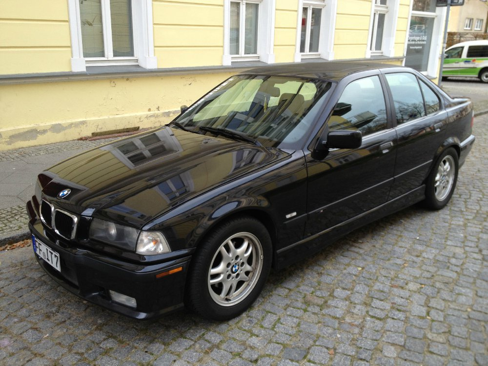 e36 320i in schwarz 3er bmw e36 limousine. Black Bedroom Furniture Sets. Home Design Ideas