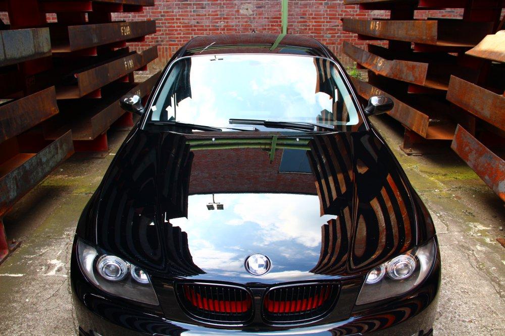 E87 schwarz - breit - tief - 1er BMW - E81 / E82 / E87 / E88