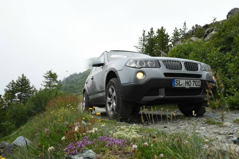Modified X3 mit 42 Zoll auf dem Dach - BMW X1, X2, X3, X4, X5, X6, X7