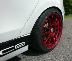 O.Z Superleggera Felge in 8x18 ET 40 mit Michelin PSS Pilot Super Sport Reifen in 245/35/18 montiert hinten mit folgenden Nacharbeiten am Radlauf: Kanten gebördelt Hier auf einem 1er BMW E87 120d (5-Türer) Details zum Fahrzeug / Besitzer