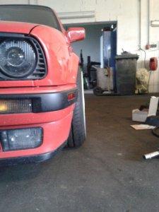 - NoName/Ebay - BSX Felge in 9x16 ET 20 mit Hankook S1 EVO Reifen in 215/35/16 montiert vorn mit 10 mm Spurplatten und mit folgenden Nacharbeiten am Radlauf: Kanten gebördelt Hier auf einem 3er BMW E30 316 (2-Türer) Details zum Fahrzeug / Besitzer