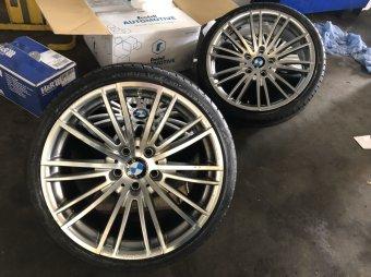 Rondell 08RZ Felge in 8.5x19 ET 35 mit Hankook  Reifen in 225/35/19 montiert vorn Hier auf einem 3er BMW E93 318i (Cabrio) Details zum Fahrzeug / Besitzer
