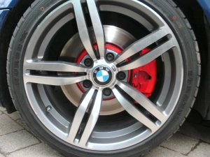 - NoName/Ebay -  Felge in 8.5x18 ET 35 mit Nankang Stratos Reifen in 235/45/18 montiert hinten und mit folgenden Nacharbeiten am Radlauf: Kanten gebördelt Hier auf einem 3er BMW E46 330i (Touring) Details zum Fahrzeug / Besitzer
