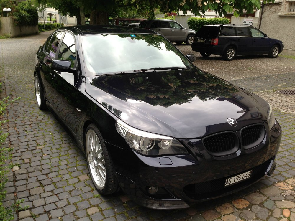 e60 530i m paket carbonschwarz 5er bmw e60 e61 limousine tuning fotos bilder. Black Bedroom Furniture Sets. Home Design Ideas