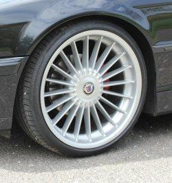 Alpina Classic II Felge in 9x21 ET 23 mit Continental Sport Contact 5P Reifen in 255/30/21 montiert vorn mit 3 mm Spurplatten Hier auf einem 7er BMW E38 728i (Limousine) Details zum Fahrzeug / Besitzer