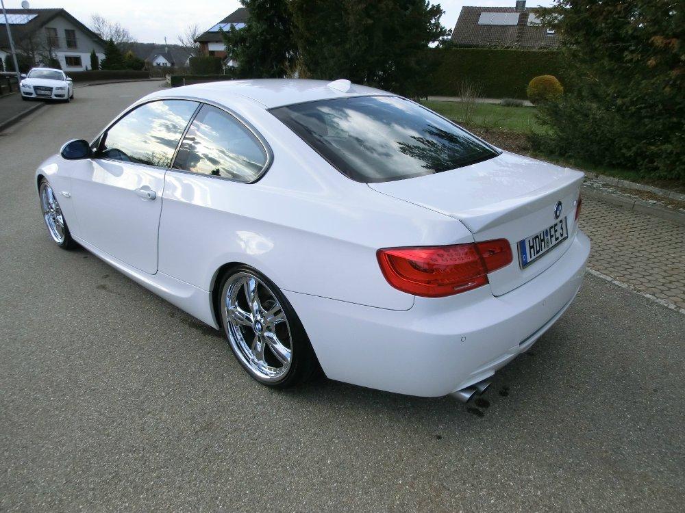 BMW 330i Coupé (E92) - 3er BMW - E90 / E91 / E92 / E93