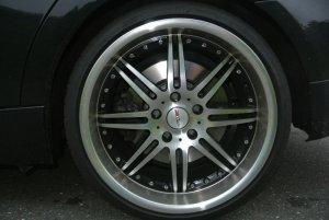 - NoName/Ebay - MOTEC Felge in 9.5x19 ET 35 mit Dunlop  Reifen in 255/30/19 montiert hinten Hier auf einem 3er BMW E90 330i (Limousine) Details zum Fahrzeug / Besitzer
