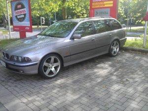 AEZ  Felge in 8x19 ET 20 mit Uniroyal Rain Sport 2 Reifen in 245/35/19 montiert hinten Hier auf einem 5er BMW E39 528i (Touring) Details zum Fahrzeug / Besitzer