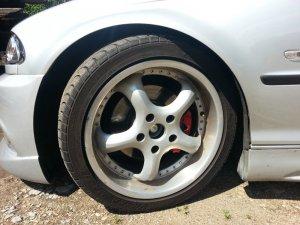 AEZ  Felge in 8.5x17 ET  mit Maxxis  Reifen in 235/40/17 montiert vorn Hier auf einem 3er BMW E46 323i (Limousine) Details zum Fahrzeug / Besitzer