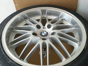 - NoName/Ebay - Y Design Felge in 8x18 ET 35 mit A.T.U Sommer Reifen in 225/40/18 montiert vorn Hier auf einem 3er BMW E90 318i (Limousine) Details zum Fahrzeug / Besitzer
