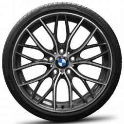 BMW M Performance Styling 405 M Doppelspeiche Felge in 8x19 ET 52 mit Pirelli P ZERO Reifen in 245/30/19 montiert hinten Hier auf einem 1er BMW F20 116d (5-türer) Details zum Fahrzeug / Besitzer