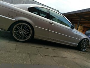 Borbet CW2 Felge in 8.5x19 ET 30 mit Continental Sport Contact 6 Reifen in 235/35/19 montiert hinten Hier auf einem 3er BMW E46 320i (Coupe) Details zum Fahrzeug / Besitzer