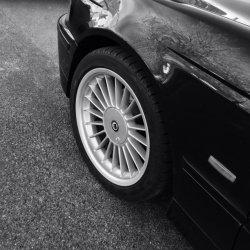 Alpina  Felge in 8x18 ET  mit Bridgestone  Reifen in 235/35/18 montiert vorn Hier auf einem 5er BMW E39 525d (Limousine) Details zum Fahrzeug / Besitzer