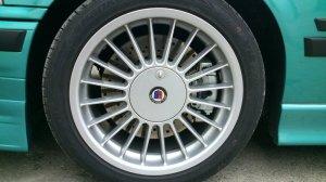 Alpina Softline Felge in 8x17 ET 46 mit Hankook V12 Reifen in 225/45/17 montiert vorn Hier auf einem 3er BMW E36 328i (Limousine) Details zum Fahrzeug / Besitzer