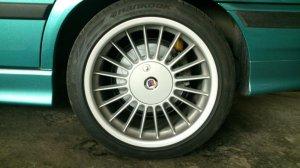 Alpina Softline Felge in 9x17 ET 46 mit Hankook V12 Reifen in 245/40/17 montiert hinten Hier auf einem 3er BMW E36 328i (Limousine) Details zum Fahrzeug / Besitzer