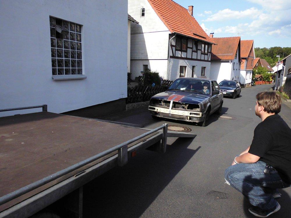 E30, 320i. The Old Lady - 3er BMW - E30