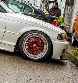 Kerscher CS Felge in 9x18 ET 16 mit Falken  Reifen in 215/40/18 montiert vorn und mit folgenden Nacharbeiten am Radlauf: gebördelt und gezogen Hier auf einem 3er BMW E46 330i (Cabrio) Details zum Fahrzeug / Besitzer