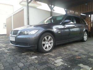 Rial  Felge in 7x16 ET 30 mit Nokian Reifen WR A3 Winterreifen Reifen in 205/50/16 montiert vorn mit 20 mm Spurplatten Hier auf einem 3er BMW E91 318i (Touring) Details zum Fahrzeug / Besitzer