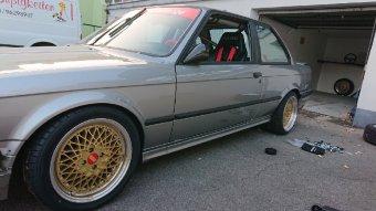 BBS E50 Felge in 7.5x16 ET 28 mit Toyo Tr1 Reifen in 205/45/16 montiert vorn Hier auf einem 3er BMW E30 325i (2-Türer) Details zum Fahrzeug / Besitzer