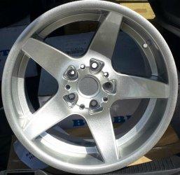 ROD  Felge in 8.5x17 ET 13 mit Rondell 0021 Reifen in 225/45/17 montiert vorn und mit folgenden Nacharbeiten am Radlauf: gebördelt und gezogen Hier auf einem 3er BMW E36 325i (Cabrio) Details zum Fahrzeug / Besitzer
