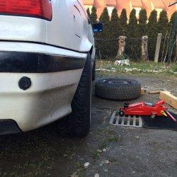 AC Schnitzer  Felge in 8.5x17 ET 15 mit Michelin Pilot Sport Reifen in 225/45/17 montiert hinten und mit folgenden Nacharbeiten am Radlauf: massive Aufweitung Hier auf einem 3er BMW E36 325i (Limousine) Details zum Fahrzeug / Besitzer