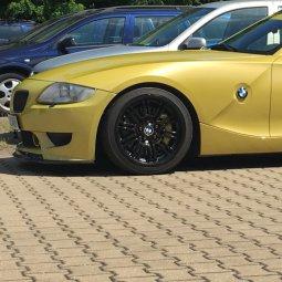 BMW Styling 67 HA Felge in 9x18 ET 26 mit Toyo R888 Reifen in 225/40/18 montiert vorn Hier auf einem Z4 BMW E86 3.0si (Coupe) Details zum Fahrzeug / Besitzer