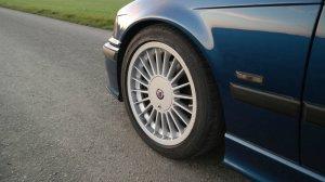 Alpina  Felge in 8x17 ET 46 mit Dunlop  Reifen in 225/45/17 montiert vorn Hier auf einem 3er BMW E36 316i (Compact) Details zum Fahrzeug / Besitzer