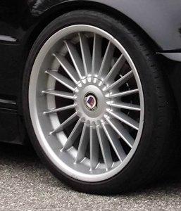 Alpina Classic II Felge in 8.5x19 ET 24 mit Pirelli  Reifen in 225/35/19 montiert vorn Hier auf einem 3er BMW E46 318i (Cabrio) Details zum Fahrzeug / Besitzer