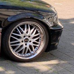 royal wheels Royal GT20 Felge in 8.5x19 ET 35 mit - NoName/Ebay -  Reifen in 225/35/19 montiert vorn Hier auf einem 3er BMW E46 325i (Cabrio) Details zum Fahrzeug / Besitzer