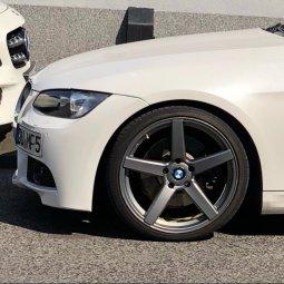 - NoName/Ebay -  Felge in 8.5x19 ET 35 mit - NoName/Ebay -  Reifen in 235/35/19 montiert vorn Hier auf einem 3er BMW E92 330i (Coupe) Details zum Fahrzeug / Besitzer