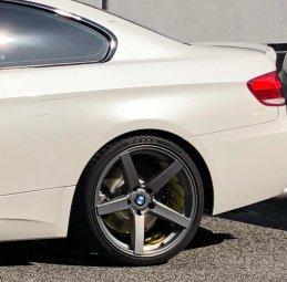 - NoName/Ebay -  Felge in 9.5x19 ET 38 mit - NoName/Ebay -  Reifen in 255/30/19 montiert hinten Hier auf einem 3er BMW E92 330i (Coupe) Details zum Fahrzeug / Besitzer