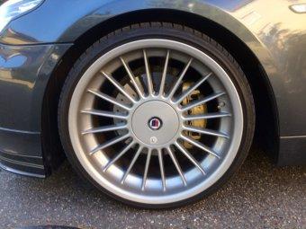 Alpina  Felge in 9x20 ET 20 mit Falken  Reifen in 235/30/20 montiert vorn mit 5 mm Spurplatten Hier auf einem 5er BMW E61 530d (Touring) Details zum Fahrzeug / Besitzer