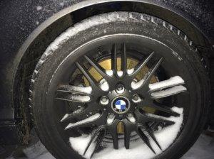 BMW M Performance Styling 65 M5 Felge in 8x18 ET 20 mit - NoName/Ebay -  Reifen in 215/40/18 montiert vorn Hier auf einem 3er BMW E46 330d (Touring) Details zum Fahrzeug / Besitzer