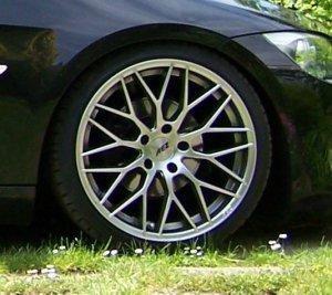 AEZ Antigua Felge in 8.5x19 ET 35 mit Bridgestone S001 Reifen in 225/35/19 montiert vorn Hier auf einem 3er BMW E92 320i (Coupe) Details zum Fahrzeug / Besitzer