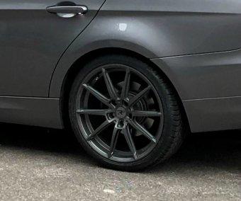 - Eigenbau - R3H3 Felge in 8.5x19 ET 35 mit Uniroyal Rainsport 3 Reifen in 255/30/19 montiert hinten Hier auf einem 3er BMW E90 320i (Limousine) Details zum Fahrzeug / Besitzer