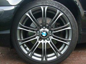 - NoName/Ebay - ACMB01 Felge in 8x18 ET 35 mit Goodyear Eagle F1 Asymetric 2 Reifen in 225/40/18 montiert vorn Hier auf einem 3er BMW E46 330d (Touring) Details zum Fahrzeug / Besitzer