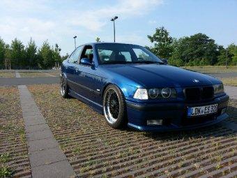 BBS RC090 Felge in 8x17 ET 20 mit Continental  Reifen in 215/40/17 montiert vorn Hier auf einem 3er BMW E36 320i (Limousine) Details zum Fahrzeug / Besitzer
