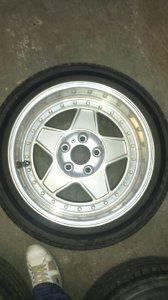 - NoName/Ebay - Marke King Felge in 10x17 ET 20 mit Dunlop  Reifen in 255/40/17 montiert hinten Hier auf einem 5er BMW E34 520i (Limousine) Details zum Fahrzeug / Besitzer