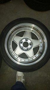 - NoName/Ebay - Marke King Felge in 8.5x17 ET 13 mit Dunlop  Reifen in 235/45/17 montiert vorn Hier auf einem 5er BMW E34 520i (Limousine) Details zum Fahrzeug / Besitzer
