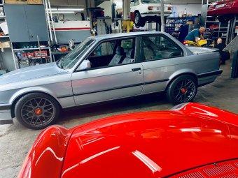 BBS RC 304 Felge in 8x17 ET 35 mit Michelin Pilot Sport 4S Reifen in 225/45/17 montiert vorn und mit folgenden Nacharbeiten am Radlauf: Kanten gebördelt Hier auf einem 3er BMW E30 M3 (2-Türer) Details zum Fahrzeug / Besitzer