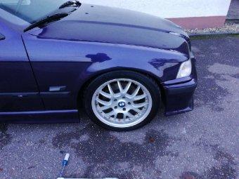 Rial Viper D70 Felge in 7.5x17 ET 35 mit Continental Conti Sport Contact Reifen in 225/45/17 montiert vorn Hier auf einem 3er BMW E36 323i (Limousine) Details zum Fahrzeug / Besitzer