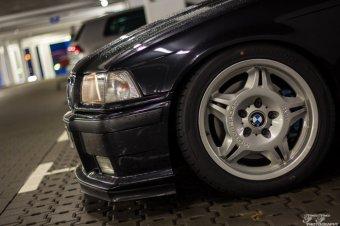 BMW Styling 24 Motorsport Felge in 7.5x17 ET 41 mit Hankook Ventus V12 Evo2 Reifen in 225/45/17 montiert vorn mit 5 mm Spurplatten Hier auf einem 3er BMW E36 323ti (Compact) Details zum Fahrzeug / Besitzer