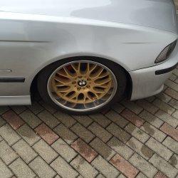 Rondell 0058 Felge in 8.5x18 ET  mit Hankook V12 evo Reifen in 225/40/18 montiert vorn Hier auf einem 5er BMW E39 523i (Limousine) Details zum Fahrzeug / Besitzer