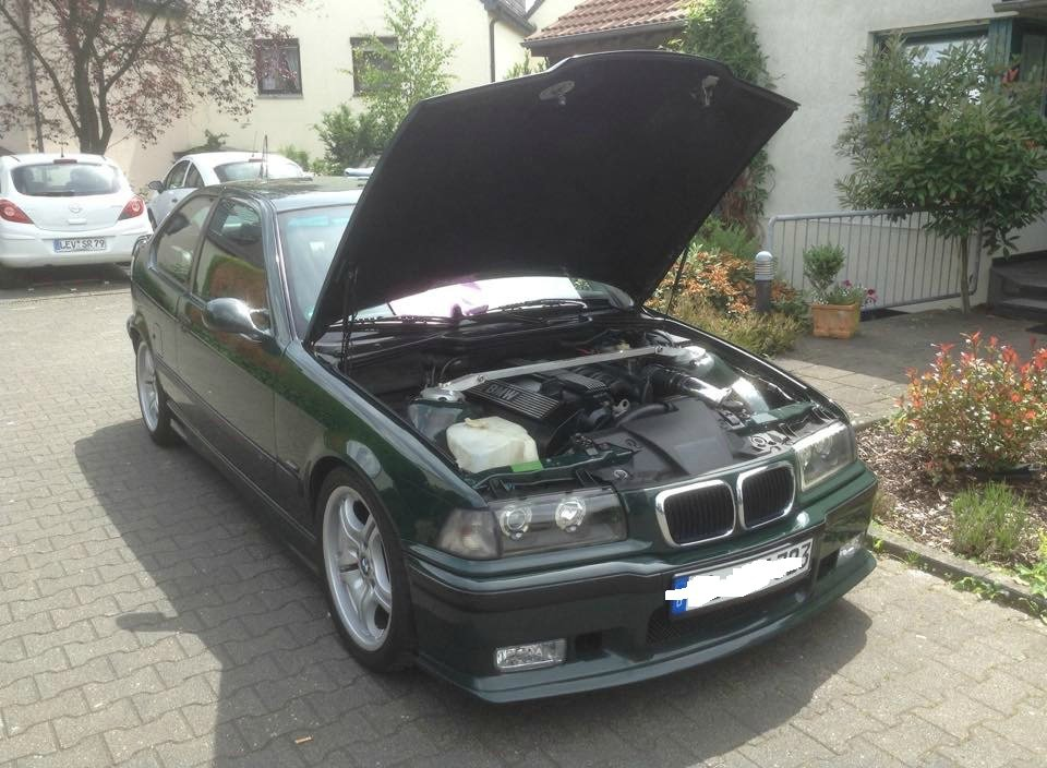 british racing green 323 gti 3er bmw e36 compact tuning fotos bilder stories. Black Bedroom Furniture Sets. Home Design Ideas