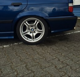BMW M3 Styling 68 Felge in 8.5x17 ET 50 mit Hankook Ventus v12 Reifen in 245/40/17 montiert hinten Hier auf einem 3er BMW E36 316i (Touring) Details zum Fahrzeug / Besitzer