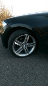 BMW 208M Felge in 7.5x18 ET  mit Michelin  Reifen in 215/40/18 montiert vorn Hier auf einem 1er BMW E81 120d (3-Türer) Details zum Fahrzeug / Besitzer